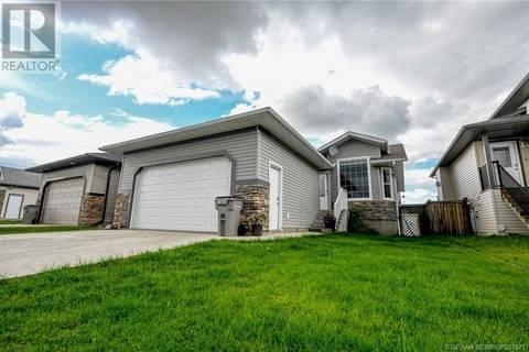House for sale at 8910 95 Ave Grande Prairie Alberta - MLS: GP207671