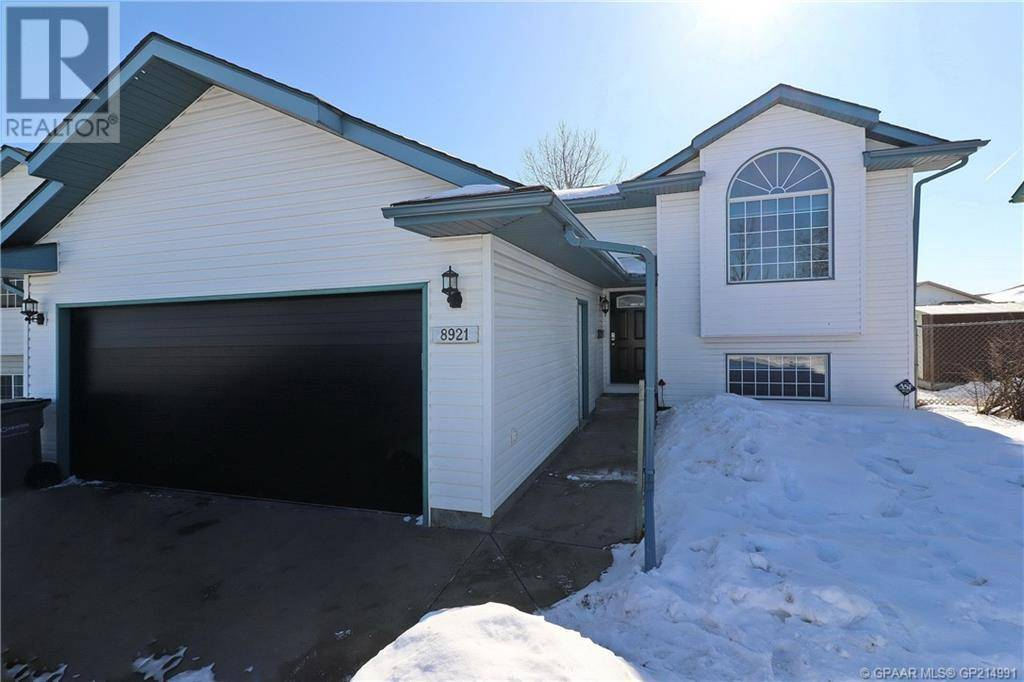 House for sale at 8921 108 Ave Grande Prairie Alberta - MLS: GP214991