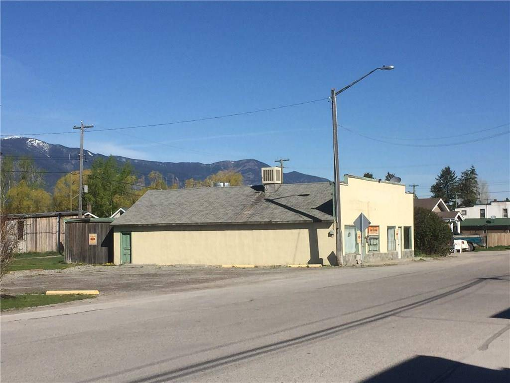 Home for sale at 8921 Grainger Road Rd Canal Flats British Columbia - MLS: 2437380