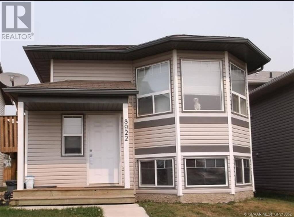 Townhouse for sale at 8922 69  Grande Prairie Alberta - MLS: GP213962