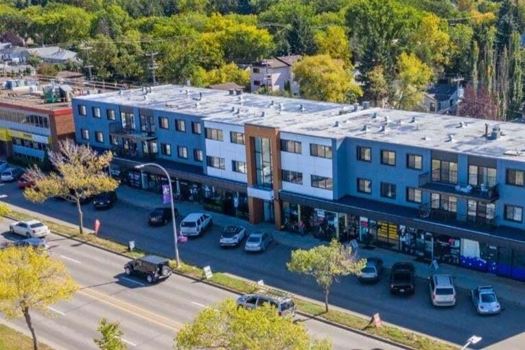 Commercial property for lease at 8927 82 Av NW Edmonton Alberta - MLS: E4178427