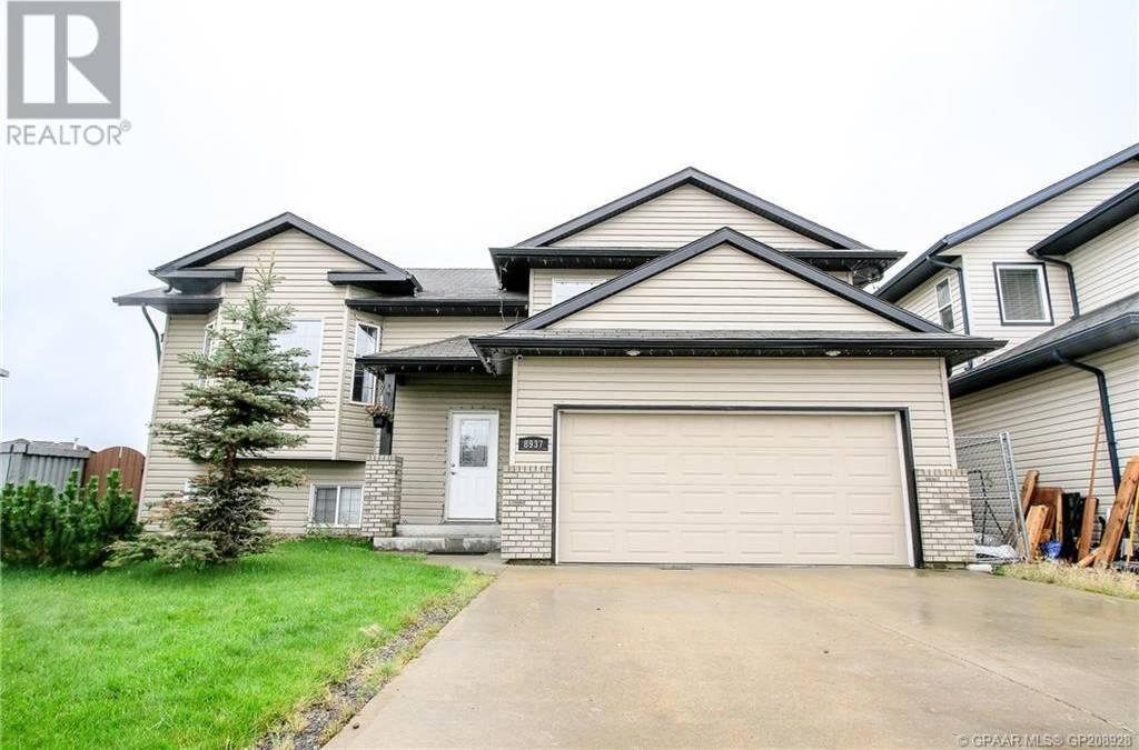 House for sale at 8937 114 Ave Grande Prairie Alberta - MLS: GP208928
