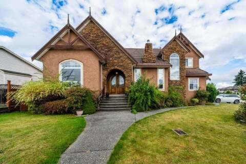House for sale at 8955 161a St Surrey British Columbia - MLS: R2508001