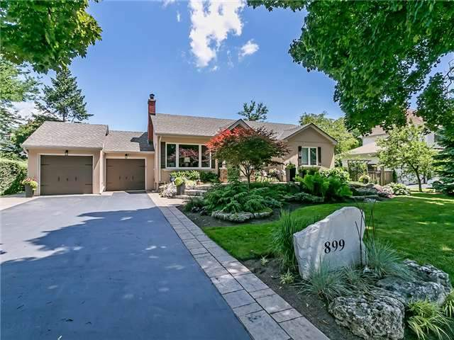 For Sale: 899 Kingsway Drive, Burlington, ON | 3 Bed, 3 Bath House for $1,450,000. See 20 photos!