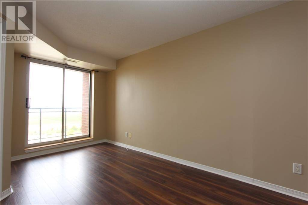 Apartment for rent at 310 Central Park Dr Unit 8h Ottawa Ontario - MLS: 1182324