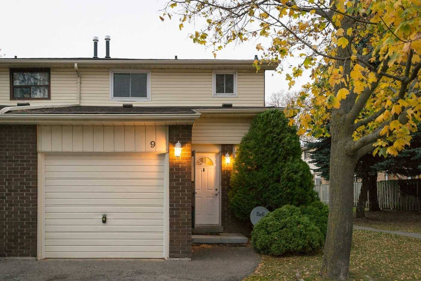 Buliding: 100 Quigley Road, Hamilton, ON
