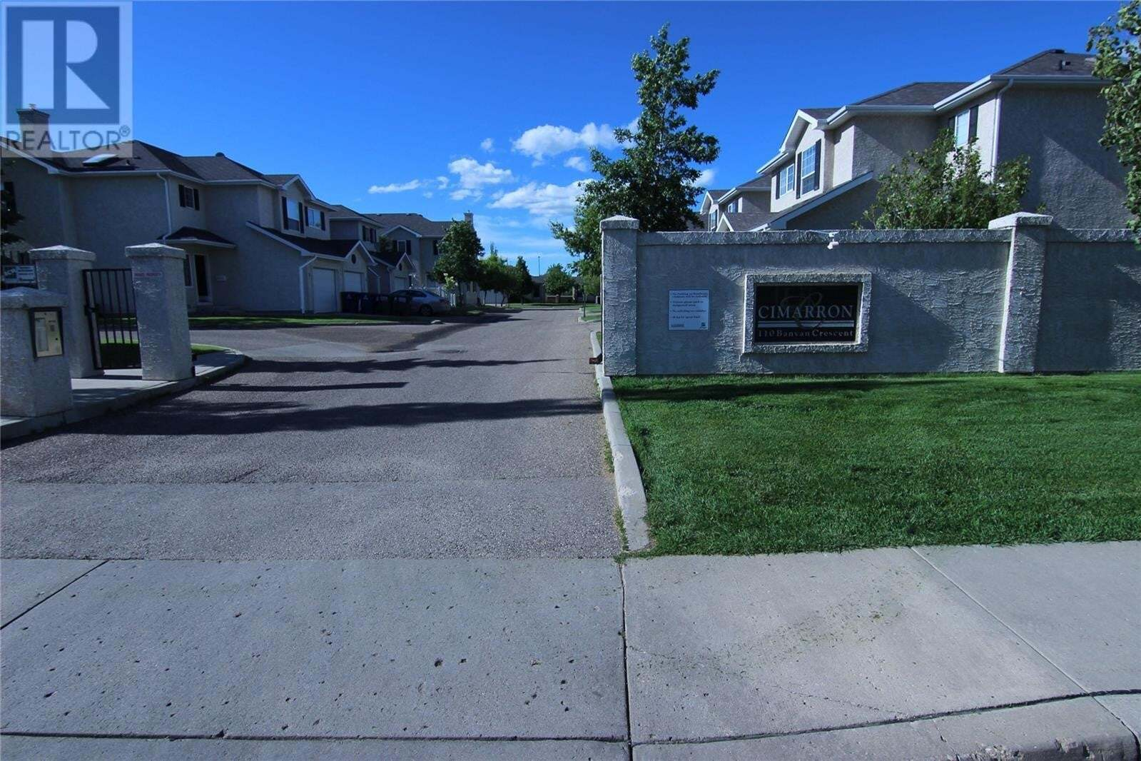 Townhouse for sale at 110 Banyan Cres Unit 9 Saskatoon Saskatchewan - MLS: SK815134