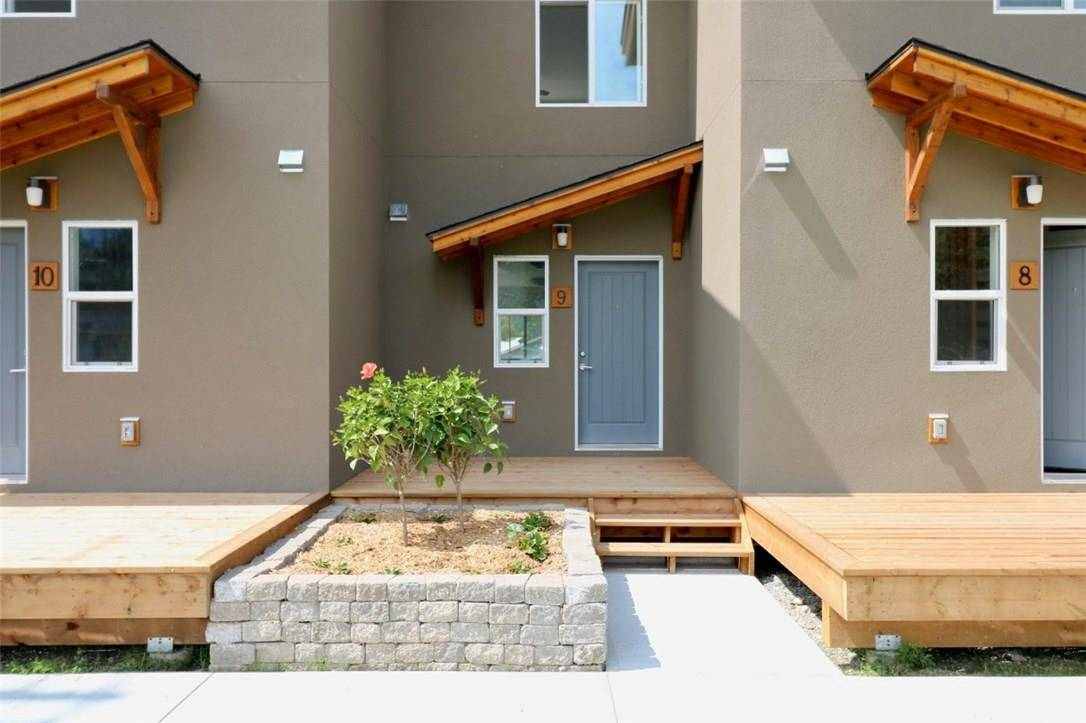 Townhouse for sale at 1110 Eleventh Avenue S  Unit 9 Golden British Columbia - MLS: 2442049