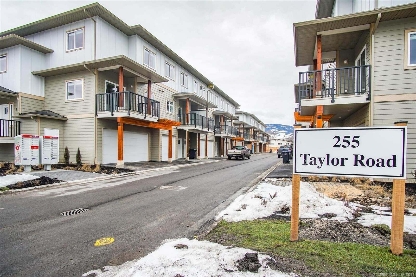 Townhouse for sale at 255 Taylor Rd Unit 9 Kelowna British Columbia - MLS: 10199388