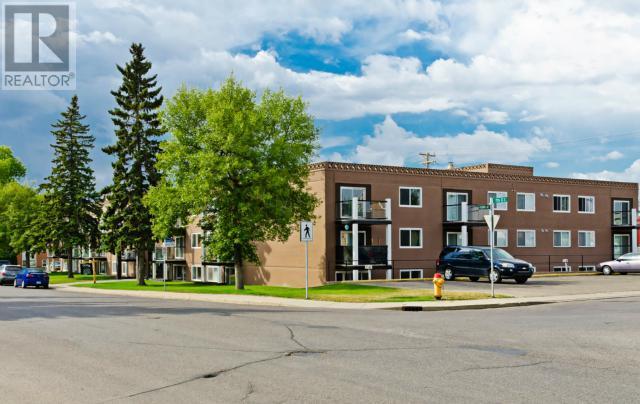 Buliding: 2707 7th Street East, Saskatoon, SK