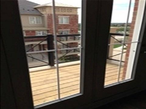 Apartment for rent at 47 Hays Blvd Unit 9 Oakville Ontario - MLS: W4414861