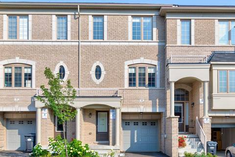 Townhouse for sale at 9 Abercove Clse Brampton Ontario - MLS: W4530752