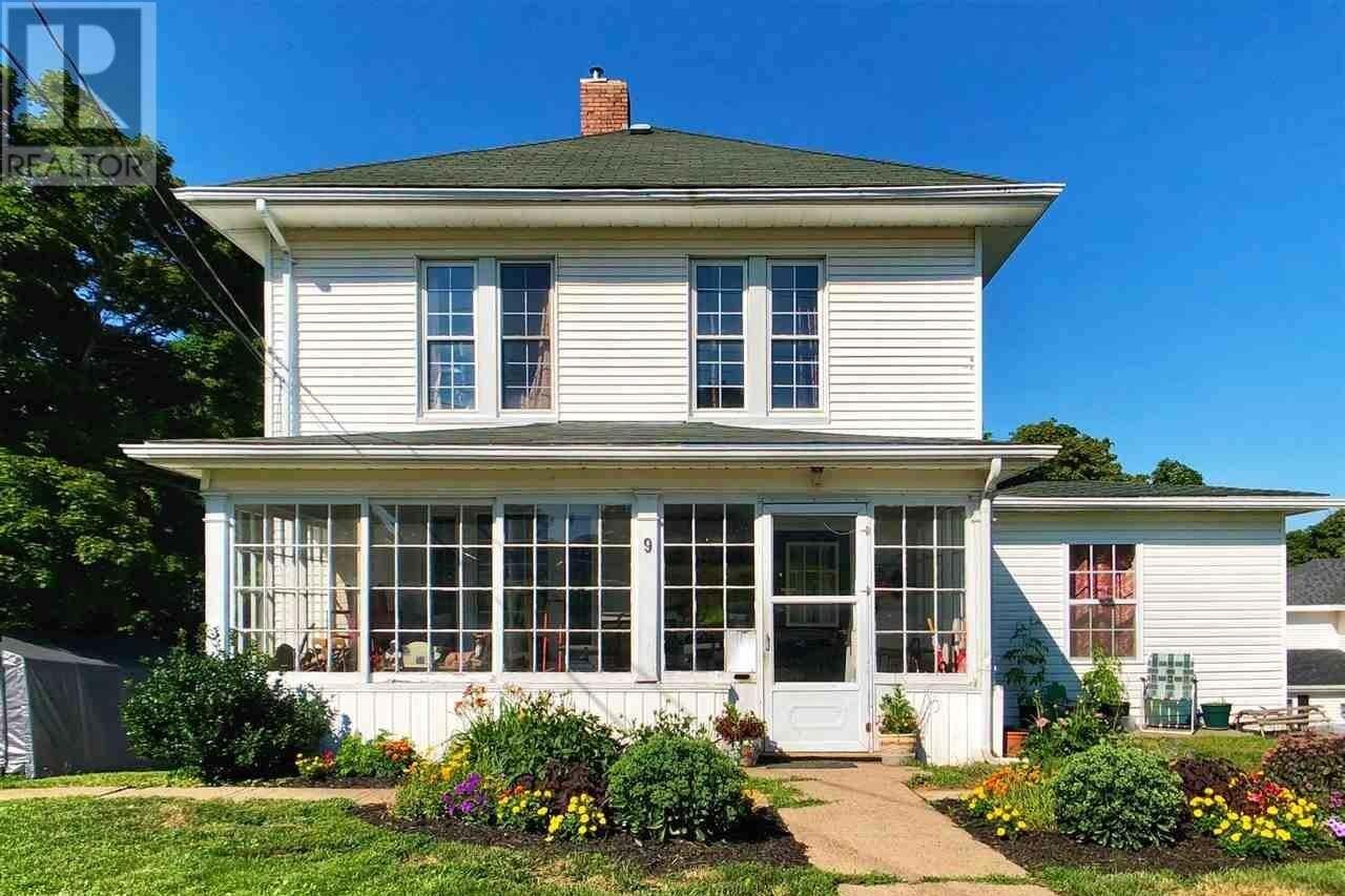 House for sale at 9 Academy St Kentville Nova Scotia - MLS: 202004001