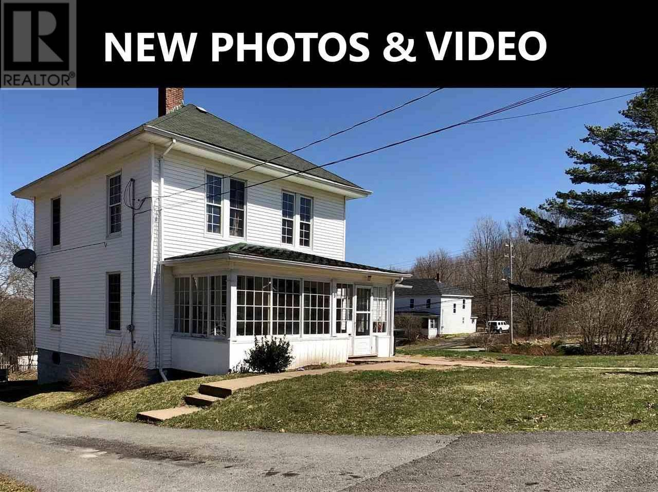 House for sale at 9 Academy St Kentville Nova Scotia - MLS: 202004001