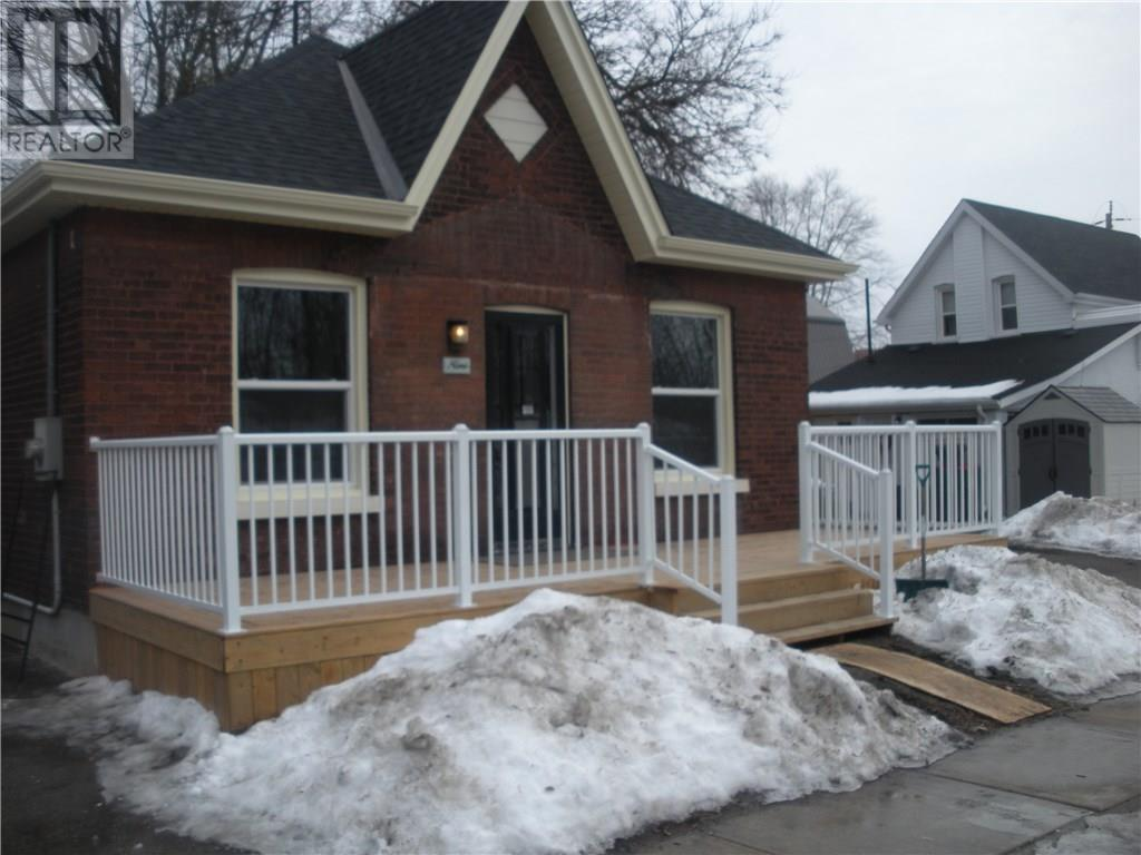 For Sale: 9 Alonzo Street, Brantford, ON   3 Bed, 1 Bath House for $274,900. See 22 photos!