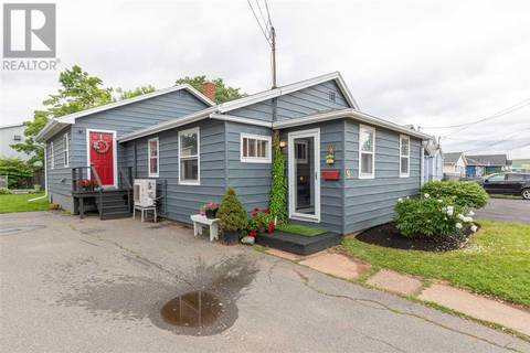 House for sale at 9 Beach St Charlottetown Prince Edward Island - MLS: 201917205