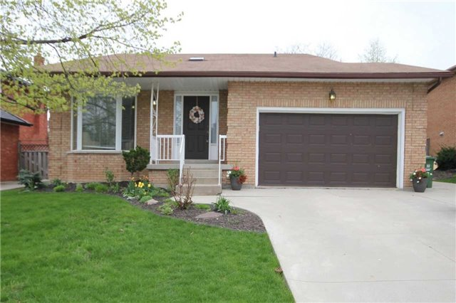 For Sale: 9 Ben Tirran Crescent, Hamilton, ON | 3 Bed, 3 Bath House for $629,900. See 20 photos!