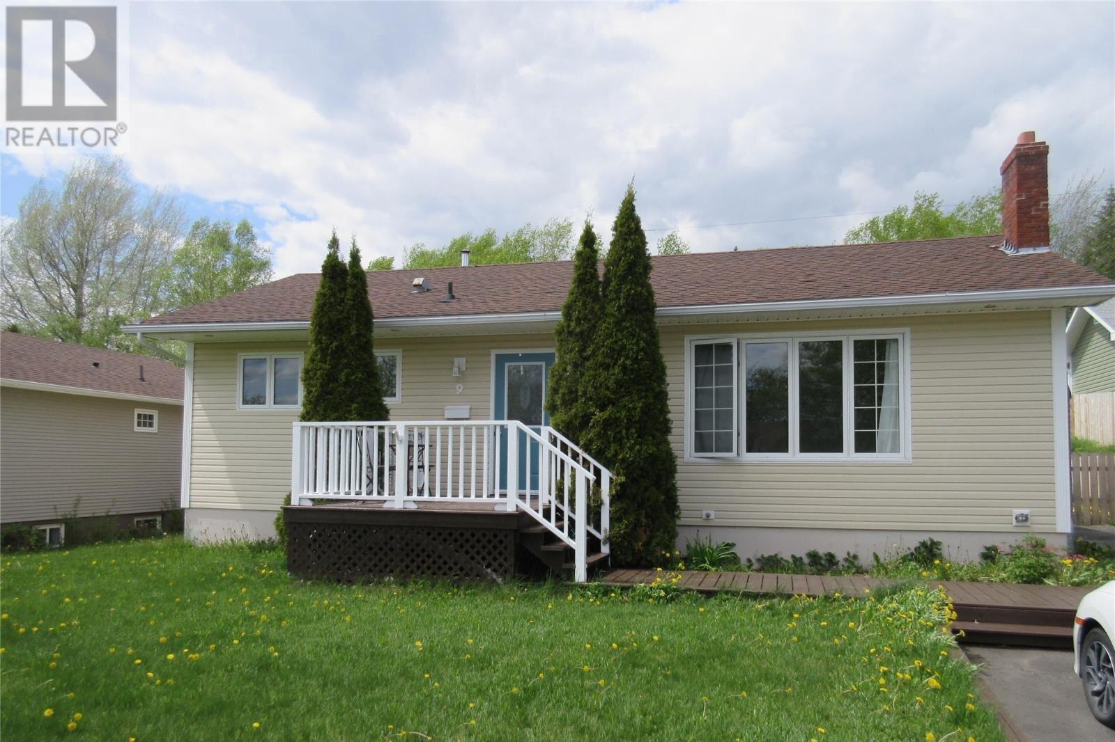 House for sale at 9 Chamberlain St Grand Falls-windsor Newfoundland - MLS: 1213531