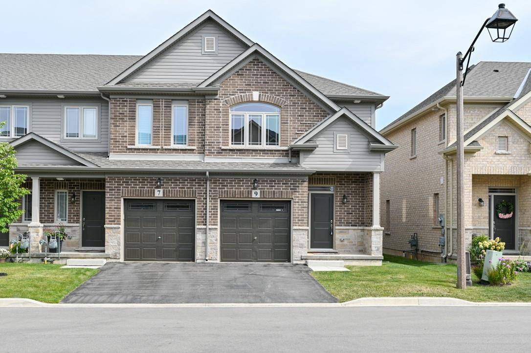 Townhouse for sale at 9 Destiny Ln Stoney Creek Ontario - MLS: H4063144