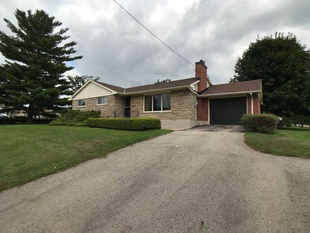 For Sale: 9 Elm Street, Ingersoll, ON | 3 Bed, 1 Bath House for $374900.00. See 11 photos!