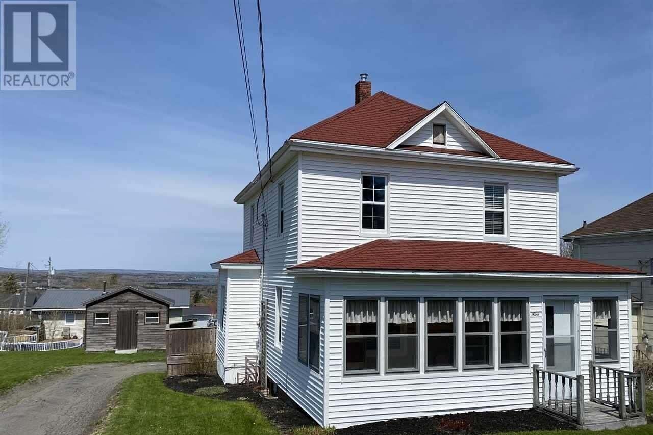House for sale at 9 Elm St Trenton Nova Scotia - MLS: 202008229