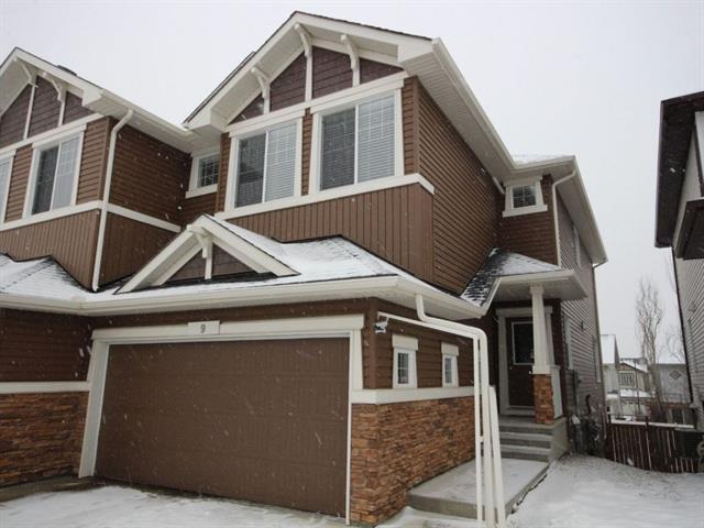 For Sale: 9 Evanscove Manor Northwest, Calgary, AB | 3 Bed, 3 Bath Townhouse for $439,000. See 20 photos!