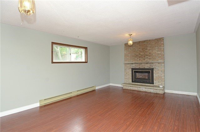 For Sale: 9 Fairview Place, Orangeville, ON   3 Bed, 2 Bath House for $589,900. See 19 photos!