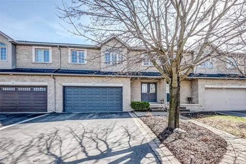 Townhouse for sale at 9 Foxborough Dr Hamilton Ontario - MLS: X4424372