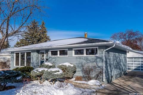 House for sale at 9 Fraser Cres Saskatoon Saskatchewan - MLS: SK799454