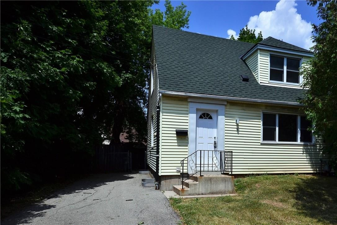 House for sale at 9 Grimsby St Hamilton Ontario - MLS: H4081379