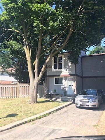 Removed: 9 Hasting Square, Brampton, ON - Removed on 2018-08-18 09:54:57
