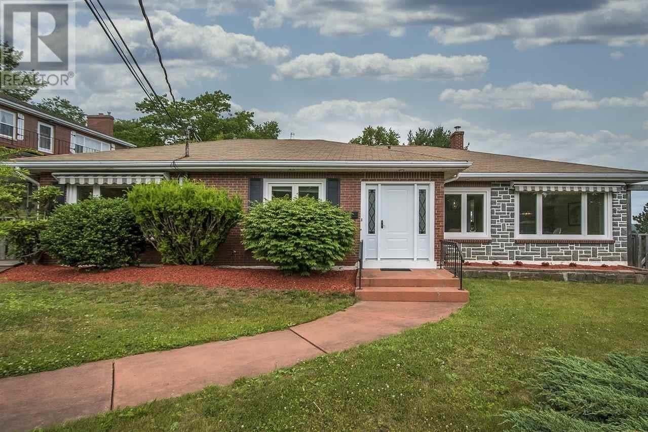 House for sale at 9 Lynwood Dr Halifax Nova Scotia - MLS: 202012568