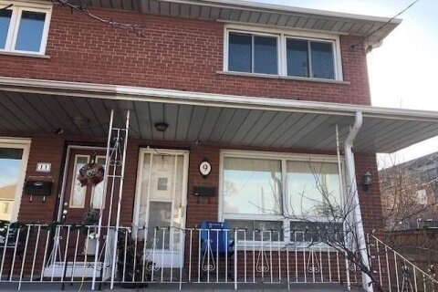 Townhouse for rent at 9 Manitoba St Toronto Ontario - MLS: W5000139