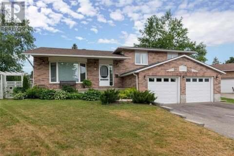 House for sale at 9 Oakridge Cres Smiths Falls Ontario - MLS: 1198760