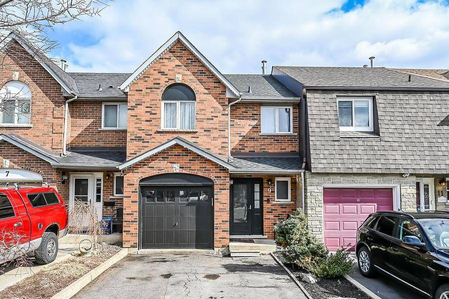 Townhouse for sale at 9 Perthshire Ct Hamilton Ontario - MLS: H4075062