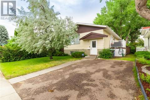 House for sale at 9 Rossland By Se Medicine Hat Alberta - MLS: mh0171256