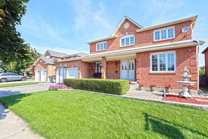House for sale at 9 Shadywood Road Brampton Ontario - MLS: W4303200