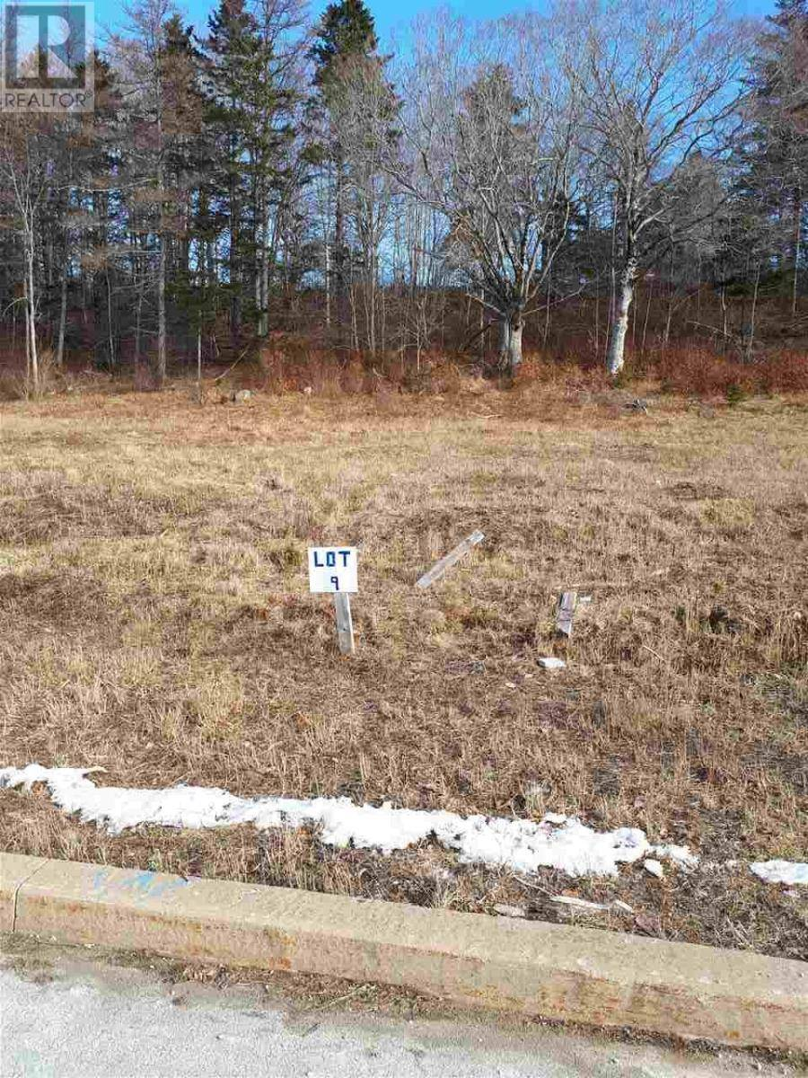 Residential property for sale at 9 Whynaught Rd Lunenburg Nova Scotia - MLS: 202001567