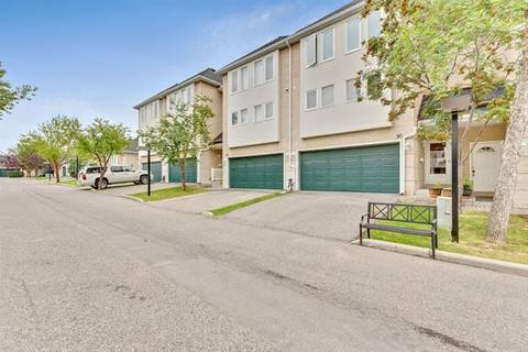 Townhouse for sale at 90 Candle Te Southwest Calgary Alberta - MLS: C4262533