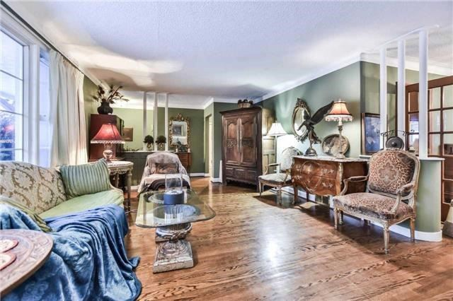 For Sale: 90 Centre Street, Richmond Hill, ON | 2 Bed, 2 Bath House for $2,088,000. See 7 photos!