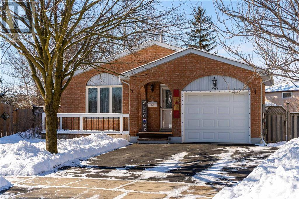 House for sale at 90 Foxridge Dr Cambridge Ontario - MLS: 30791262