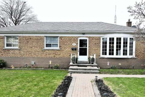 House for rent at 90 Miramar Cres Toronto Ontario - MLS: E4948054