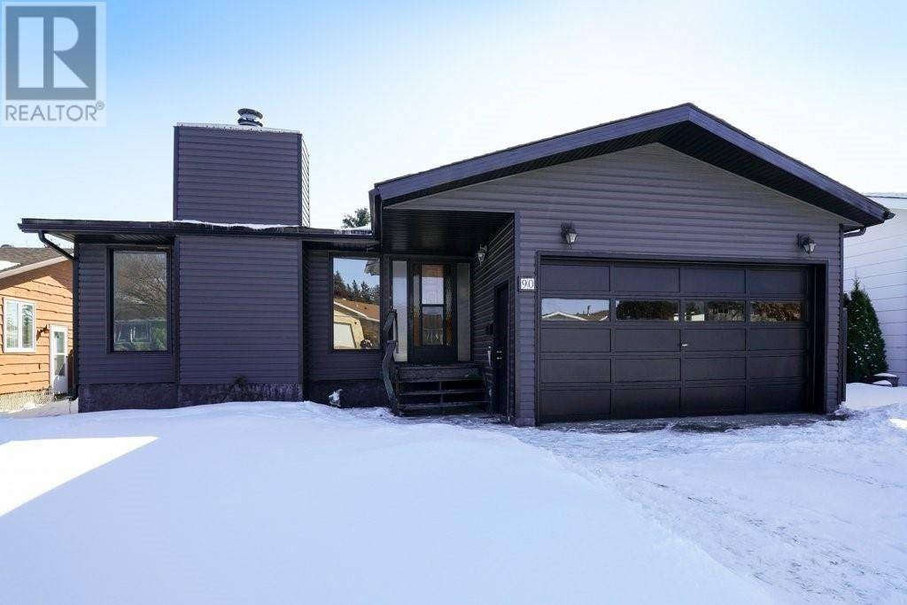 90 Patterson Crescent, Red Deer | Image 1