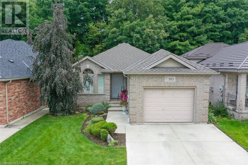House for sale at 90 Ridge St Strathroy Ontario - MLS: 222139