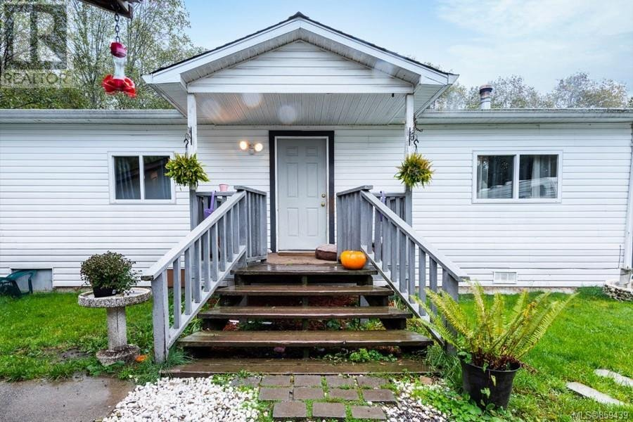 House for sale at 900 Poplar Wy Whiskey Creek British Columbia - MLS: 859439