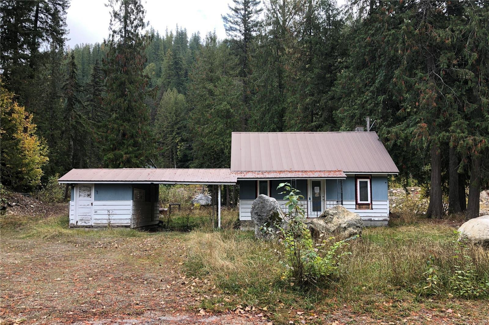 House for sale at 900 Two Mile Rd Sicamous British Columbia - MLS: 10218141
