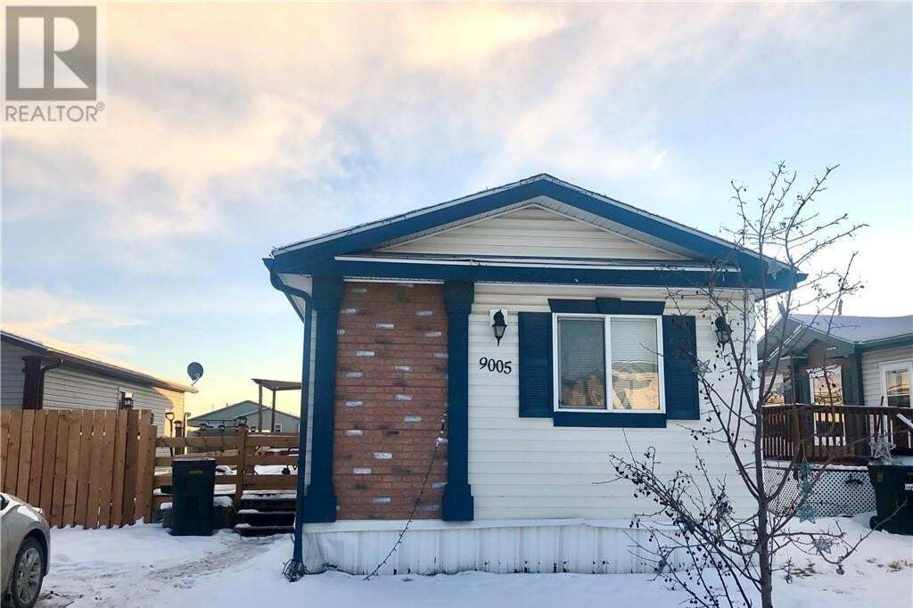 House for sale at 9005 90 Ave Grande Prairie Alberta - MLS: GP213439