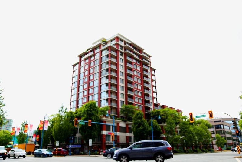 Buliding: 5933 Cooney Road, Richmond, BC