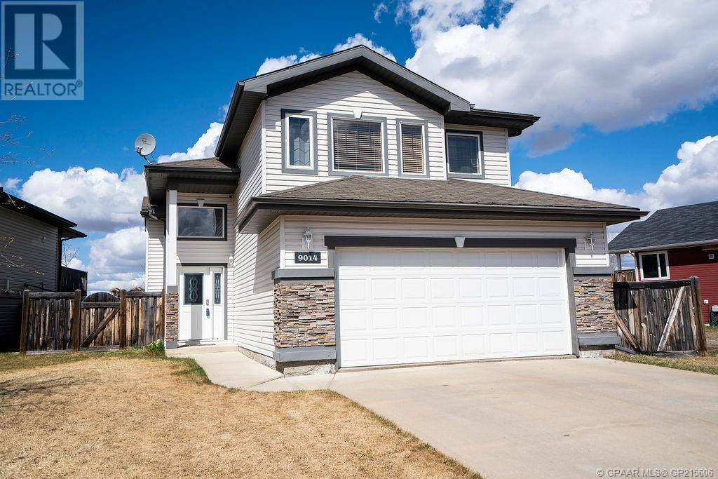 House for sale at 9014 129 Avenue Court Grande Prairie Alberta - MLS: GP215606
