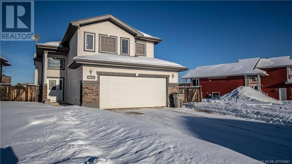 House for sale at 9014 129 Ave Grande Prairie Alberta - MLS: GP214461